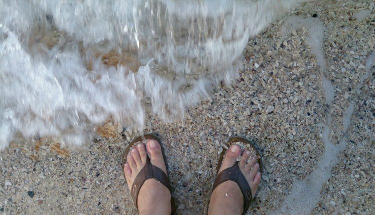 ::: ทะเล-คลื่น-ใจ-เม็ดทรายในรองเท้า :::